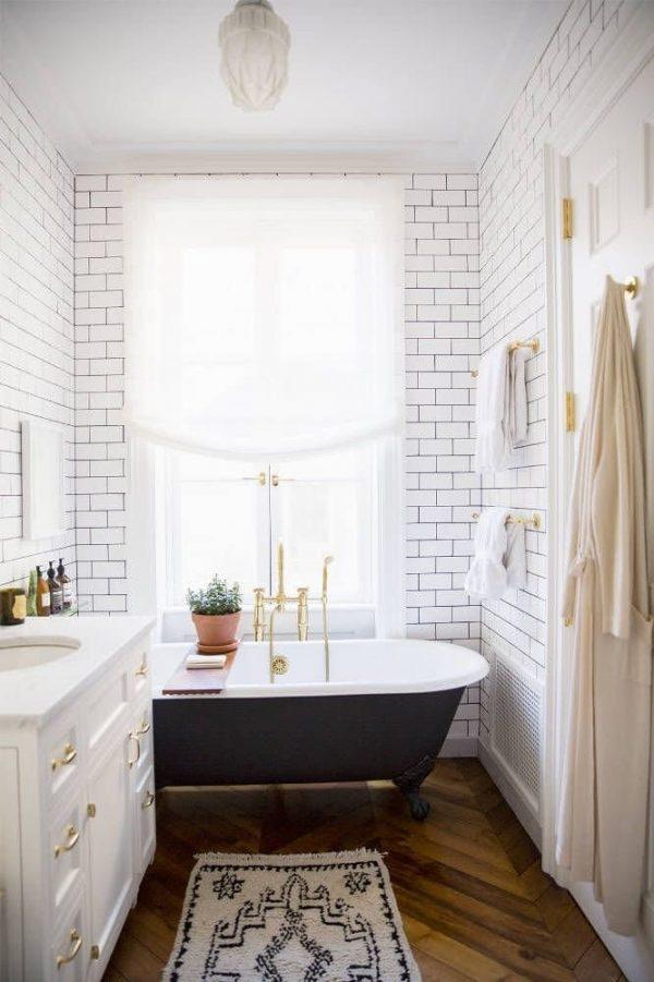 Baño Pequeno Alargado:15 cuartos de baño pequeños con mucho estilo Artículo Publicado el