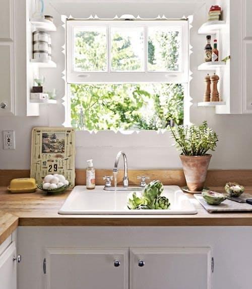 Ideas para organizar una cocina peque a for Estanterias cocinas pequenas