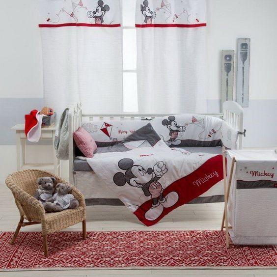 Decora su habitación con el clásico Mickey Mouse