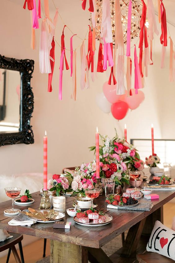 Ideas decorativas para celebrar san valent n en casa for Decoracion de pared para san valentin