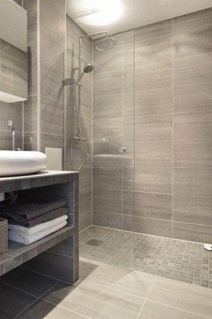 Propuestas para tener una ducha sin plato en tu ba o - Suelos para duchas de obra ...