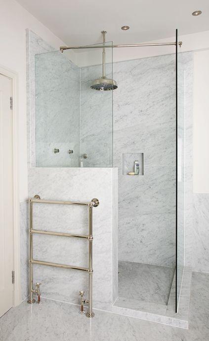 Propuestas para tener una ducha sin plato en tu ba o for Tipos de duchas