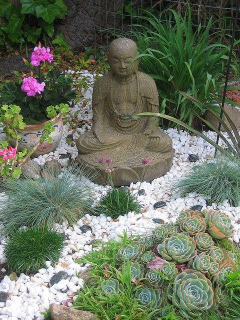 Ideas para decorar tu jard n con piedras y rocas - Plantas para jardin zen ...