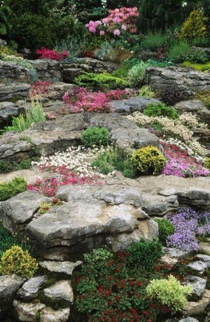 Ideas para decorar tu jard n con piedras y rocas for Muebles de piedra para jardin