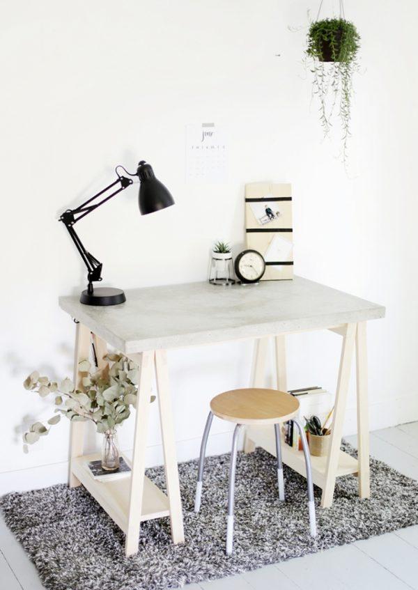 25 propuestas de escritorios diy para tu oficina en casa for Tableros para escritorios
