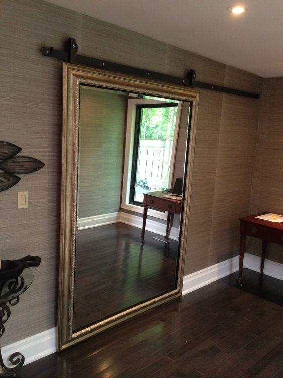 Ten un armario con puertas de espejo for Puerta walking closet