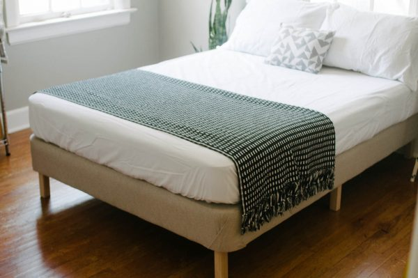 21 inspiradoras camas diy para la habitaci n - Tarimas para camas ...