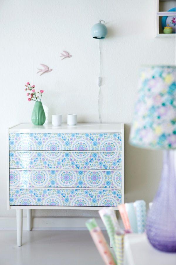 Ideas diy creativas con papel pintado para toda la casa - Ideas papel pintado ...