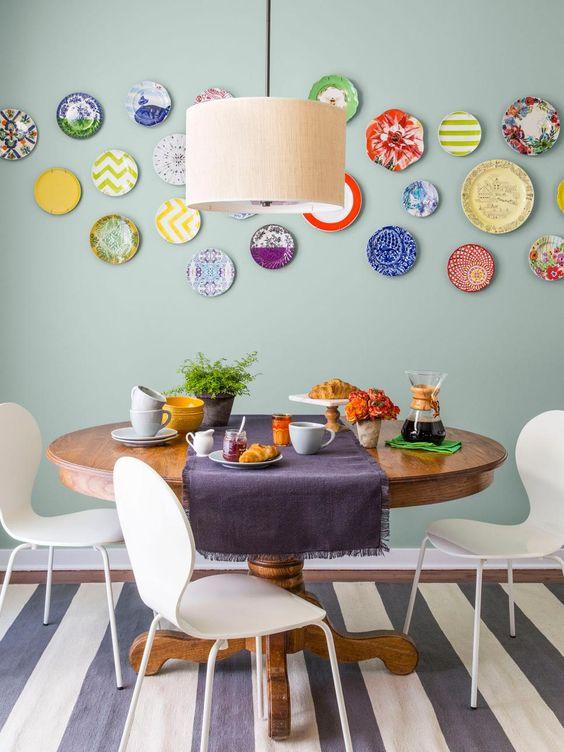 20 ideas para decorar paredes con platos - Decorar paredes comedor ...