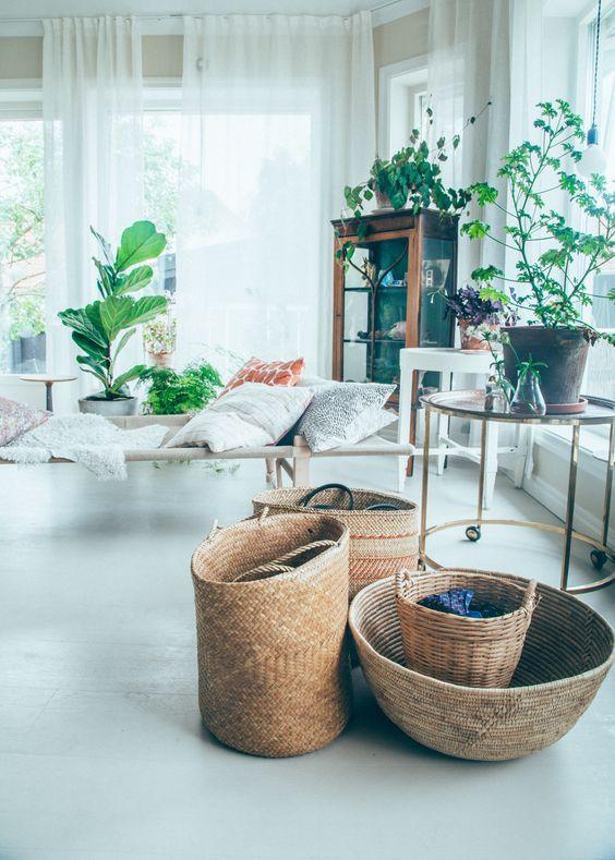 incluso podemos decorar con las propias cestas es decir usarlas simplemente como objetos decorativos combinando varias de ellas