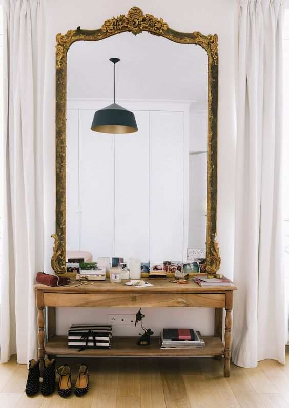 Espejos grandes para decorar el recibidor - Como decorar un espejo sin marco ...