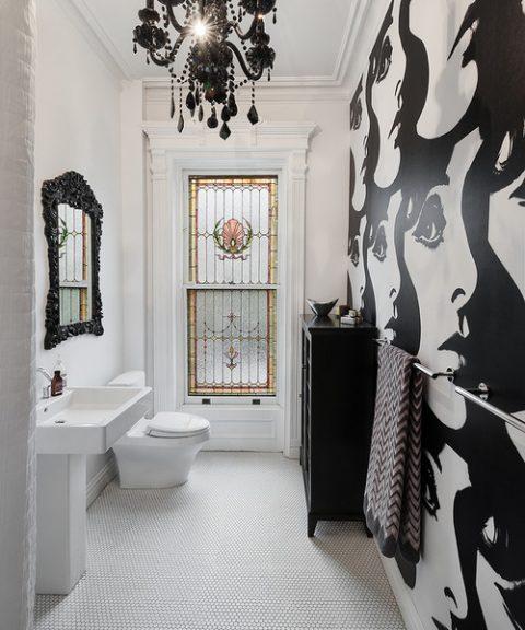 Cuartos de baño con papel pintado que sorprenden