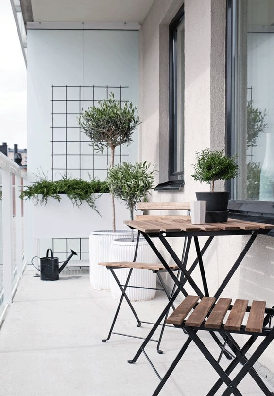 20 ideas especiales para decorar tu balc n - Mesa colgante para balcon ...