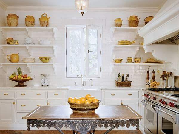Consejos para decorar la cocina con estantes for Estantes para cocina