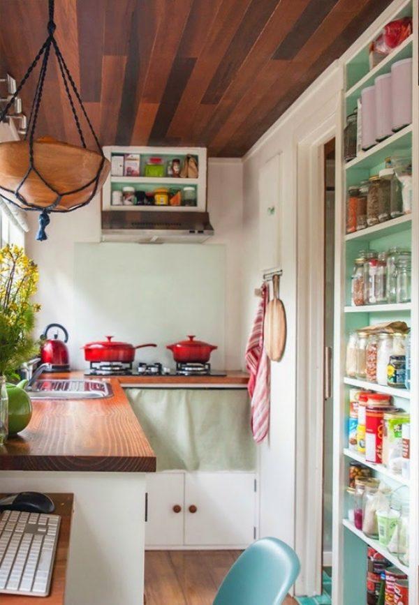 aprovechar al mximo el espacio disponible nos permite tener incluso una pequea despensa en nuestra diminuta cocina y si apuramos como aqu