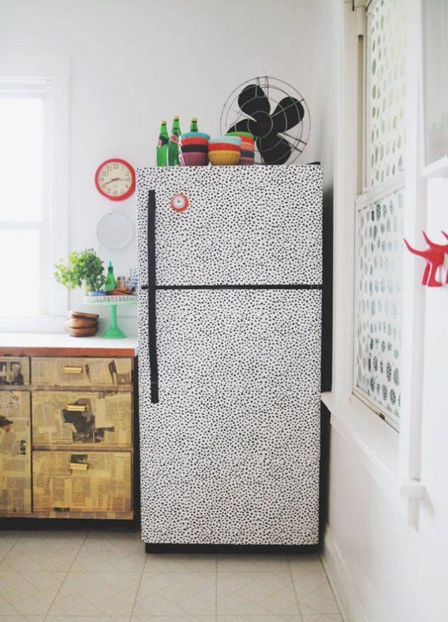 10 usos alternativos del papel pintado - Papel pintado autoadhesivo para muebles ...