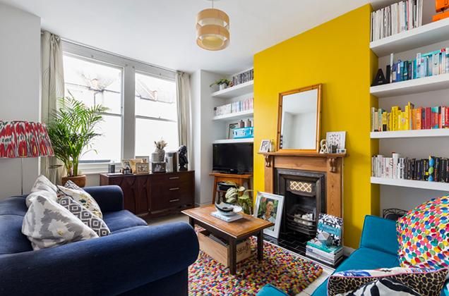 marvellous living room green accent wall | 16 salas de estar con paredes de acento