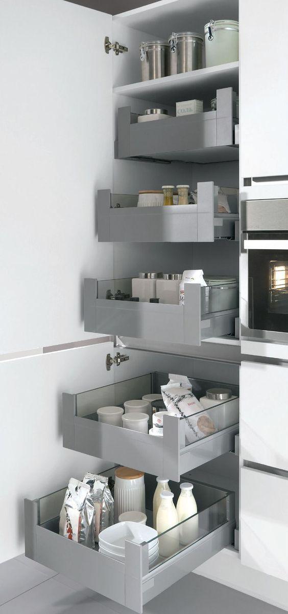 Almacenamiento y organizaci n para espacios peque os for Cajones zocalo cocina ikea