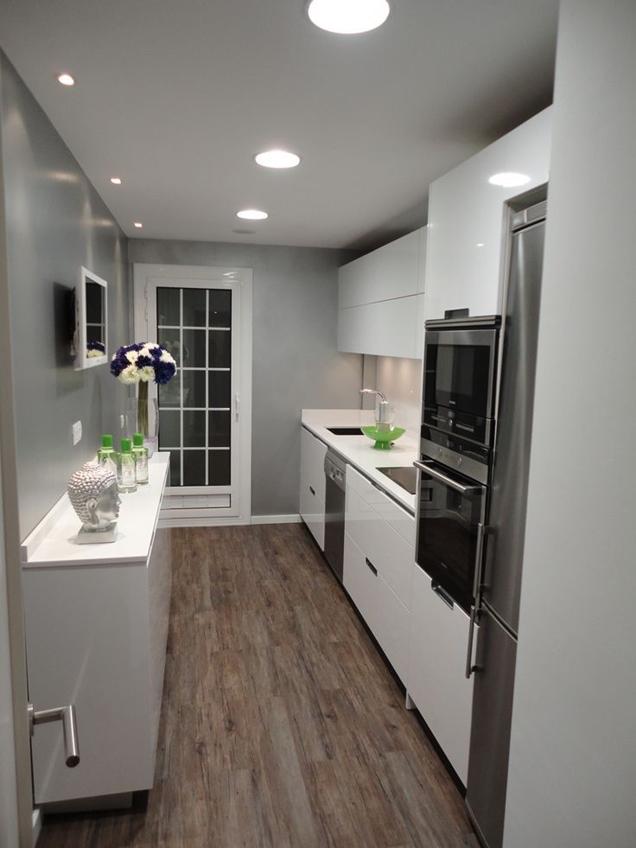 Consejos para decorar una cocina peque a alargada for Ideas para cocinas pequenas rusticas