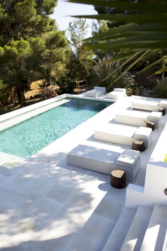 Nada mejor que una piscina rectangular para tu hogar for Que piscina es mejor