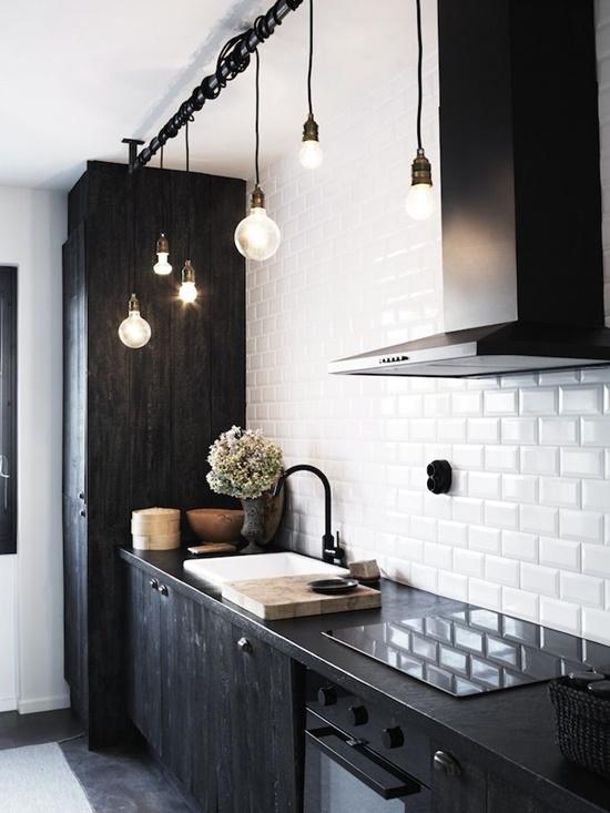 Ideas para reformar una cocina con escaso presupuesto for Cambiar instalacion electrica sin rozas
