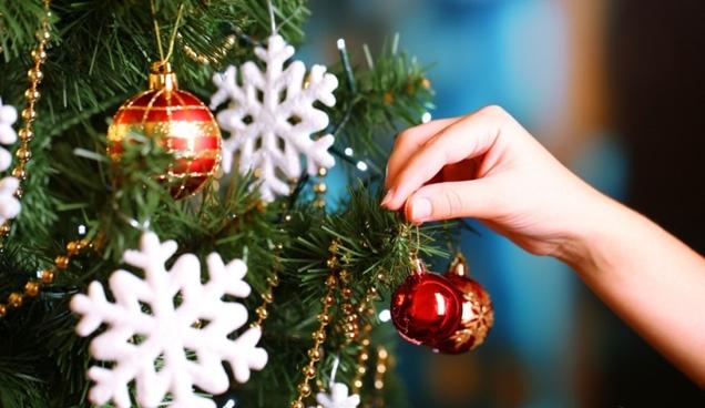 Formas de decorar el arbol de Navidad