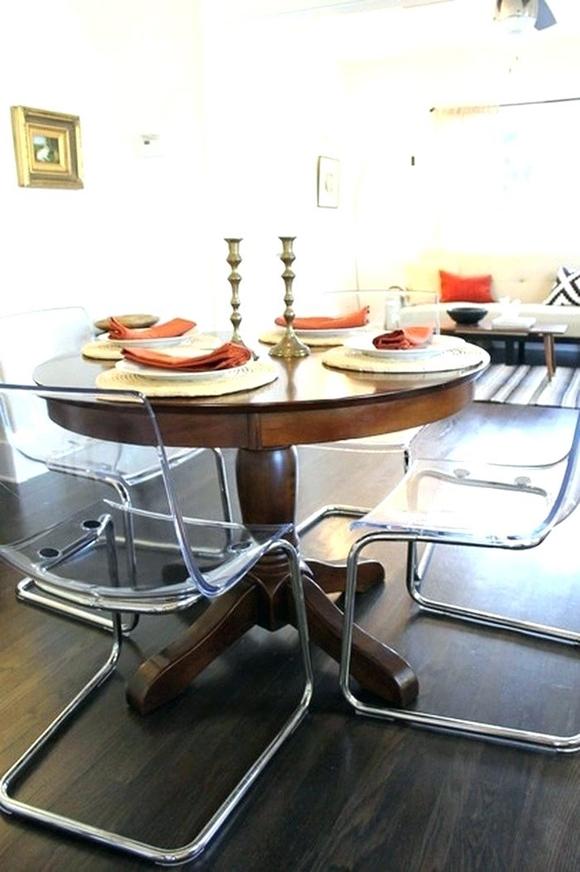 12 maneras de combinar una mesa antigua con sillas modernas