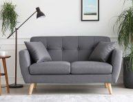 imagen Ideas de sofás pequeños que maximizarán el espacio